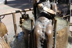 Standbeeld-Aachen-met-bewegende-beelden-06