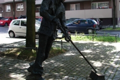 Standbeeld-Straatveger-Aachen-01