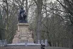 Amsterdam-022-Vondelpark-Monument-Vondel