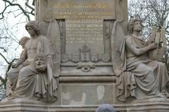 Amsterdam-027-Vondelpark-Monument-Vondel-detail