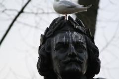 Amsterdam-032-Vondelpark-Monument-Vondel-detail