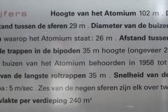 Brussel-0520a-Informatiebord-Atomium