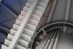 Brussel-0540-Atomium-onder-de-trap-binnen
