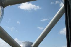 Brussel-0642-Atomium-Uitzicht-op-andere-bol