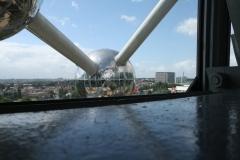 Brussel-0643-Atomium-Uitzicht-op-andere-bol