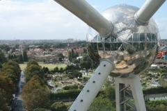 Brussel-0649-Atomium-Uitzicht-op-andere-bol