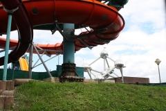 Brussel-0681-Atomium-en-waterblijbaan-bij-zwembad