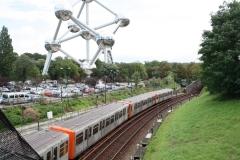 Brussel-0697-Trambanen-en-spoorweg-bij-Atomium