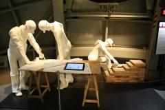 Brussel-0619-Atomium-Kunstwerk-van-bouwvakkers