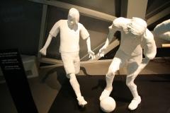 Brussel-0626-Atomium-Kunstwerk-van-voetballers