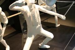Brussel-0627-Atomium-Kunstwerk-van-man-met-diabolo