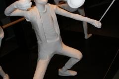 Brussel-0628-Atomium-Kunstwerk-van-man-met-diabolo