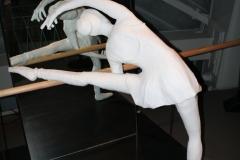 Brussel-0629-Atomium-Kunstwerk-van-balletdanseres