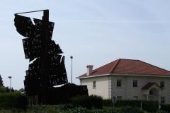 Tuinwijk-Eisden-1-Rotonde-met-Mijnmonument