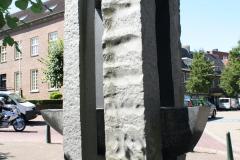 Nuth-160-Beeld-bij-Sint-Bavokerk
