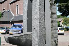 Nuth-161-Beeld-bij-Sint-Bavokerk