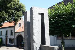 Nuth-162-Beeld-bij-Sint-Bavokerk