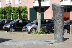 Haarlem-477-Sculptuur-op-Nieuwe-Kerksplein
