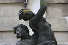 Haarlem-519-Provinciehuis-Standbeeld