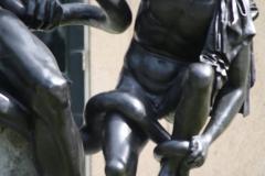 Haarlem-536-Provinciehuis-Standbeeld