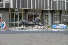 Heerlen-033-Sculptuur-met-fontein-bij-theater