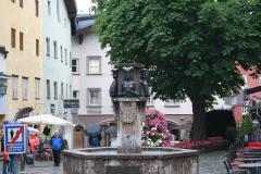 Kitzbuhel-012-Fontein-700-Jahre-Stadterhebung-detail