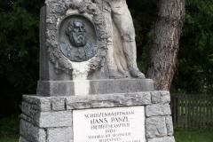 Muhlbach-019-Beeld-van-Schutzenhauptmann-Hans-Paul