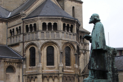 Roermond-Standbeeld-Pierre-Cuypers-04