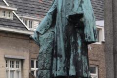 Roermond-Standbeeld-Pierre-Cuypers-05
