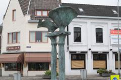 Simpelveld-Sculptuur-op-rotonde-Pleistraat-1