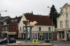 Simpelveld-Sculptuur-op-rotonde-Pleistraat-6