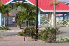 St.-Maarten-1001-Standbeeld-visser-bij-Simpson-Bay