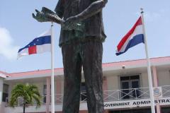 St.-Maarten-1267-Philipsburg-Standbeeld-Dr-Claude-Wathey