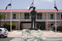 St.-Maarten-1268-Philipsburg-Standbeeld-Dr-George-Wathey