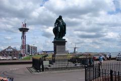Vlissingen-Standbeeld-Michiel-de-Ruyter-04