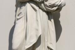 Vrouw met lam in korf