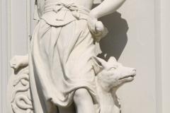 Vrouw met schild en hond