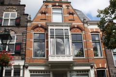 Alkmaar-Luttik-Ouddorp-Huis-met-erker-op-eerste-verdieping