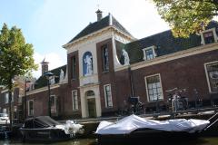 Alkmaar-Oudegracht-Provenhuis-Wildeman-hofje-2