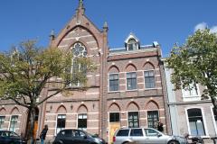 Alkmaar-Oudegracht-Voormalige-kerk-nu-appartementen