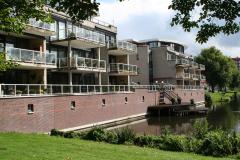 Alkmaar-Vondelstraat-Huizen-met-steiger-aan-vijver-1