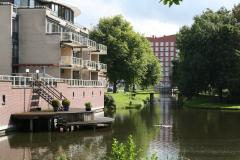 Alkmaar-Vondelstraat-Huizen-met-steiger-aan-vijver-2