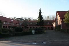 2014-01-10-Hotel-De-Volksabdij-005-De-buitengangen-van-de-abdij