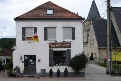 Rondom-Kanne-185-Huize-Tösse-Jeker-en-Maos-en-St-Hubertuskerk