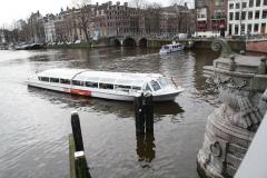 Amsterdam-172-Rondvaartboot-in-de-Amstel
