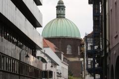 Brussel-1323-Gebouw-met-koepel