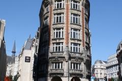 Brussel-2014-1514-Kanselarijstraat-Gebouw-met-ronde-gevel