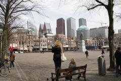 Den-Haag-Plein-met-standbeeld-Willem-van-Oranje-3