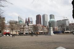 Den-Haag-Plein-met-standbeeld-Willem-van-Oranje-4