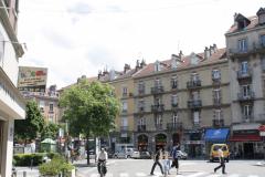 Grenoble-069-Huizenblok-met-schoorstenen